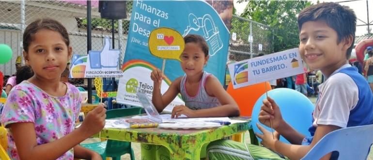 Niños de la comuna 5 del Barrio Versalles participaron en la zona de artes, espacio brindado por Inderba