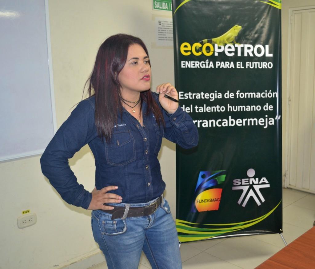 Yesica Triana  Auxiliar en atención a usuarios del convenio3003834