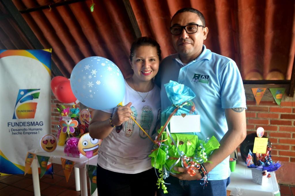 Ana Rossio (Analista de crédito sede Aguachica) y el abogado Carlos Payares