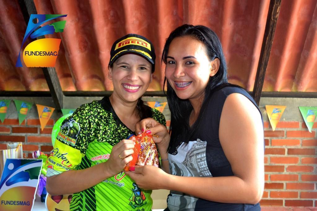 Judith Zapata (Psicóloga de Fundesmag) y Sindy Alvarado (Analista de crédito sede Sabana de Torres)