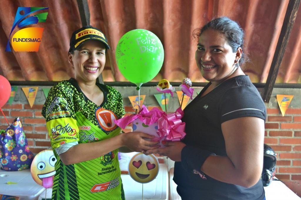 Judith Zapata y Jessica Gomez (Auxiliar administrativa sede Sabana de Torres)