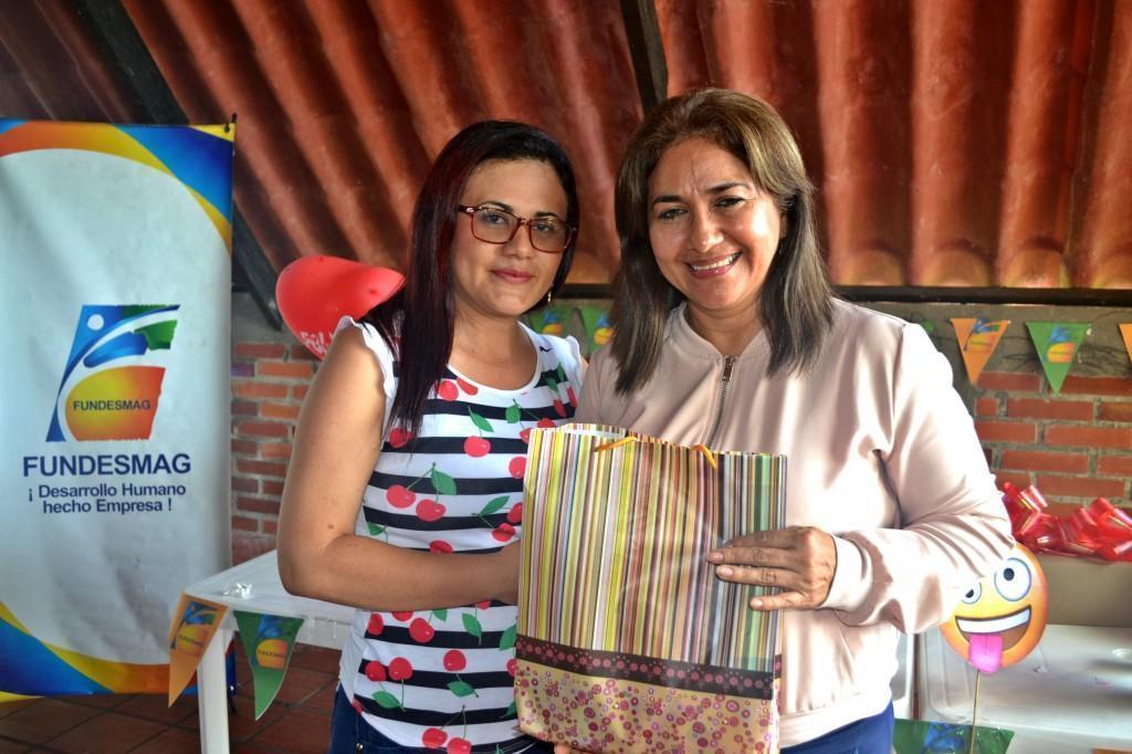 Yessica Triana Aguilar junto a Martha Pereira Duarte (Coordinadora de CYC)